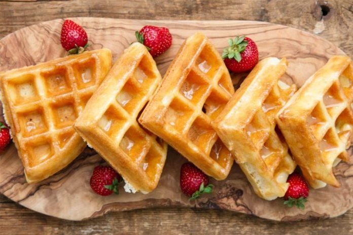 cách làm bánh waffle