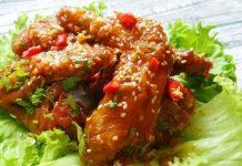 cánh gà om sốt cà chua